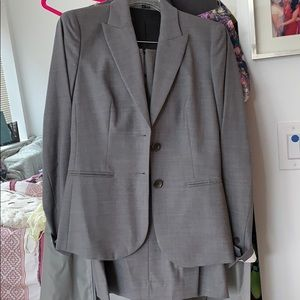 Theory grey skirt suit size 0